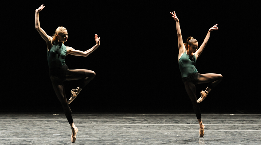 William Forsythe's In the Middle, Somewhat Elevated. Photo by Rich Sofranko