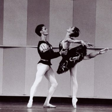 1990 - Per Sacklen and Laura Desiree; Black Swan Pas de Deux; photo by Randy Choura